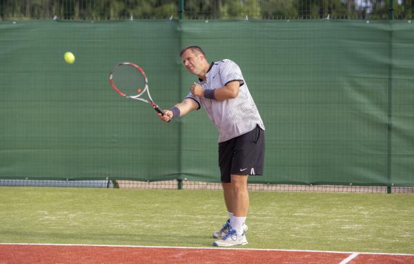 -Rouge-Tennise-avamine-36