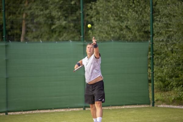 -Rouge-Tennise-avamine-46