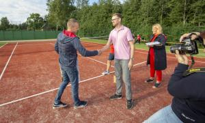 -Rouge-Tennise-avamine-24