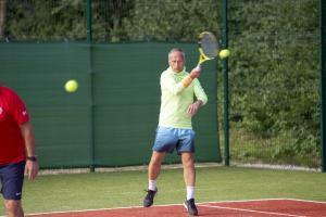 -Rouge-Tennise-avamine-34