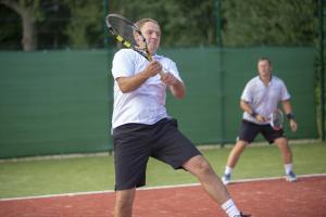 -Rouge-Tennise-avamine-42