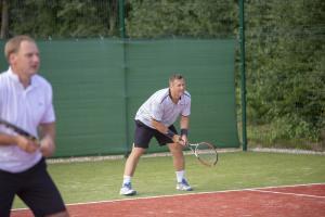 -Rouge-Tennise-avamine-43