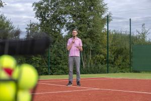 -Rouge-Tennise-avamine-5