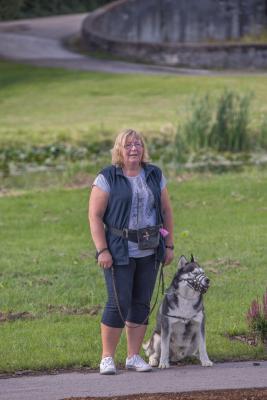 Vrumaa-koeraomanikud-kogusid-taas-toetust-varjupaigas-peatuvatele-loomadele-20