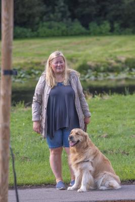 Vrumaa-koeraomanikud-kogusid-taas-toetust-varjupaigas-peatuvatele-loomadele-24